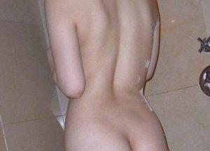 若い子と出会いたい入浴姿